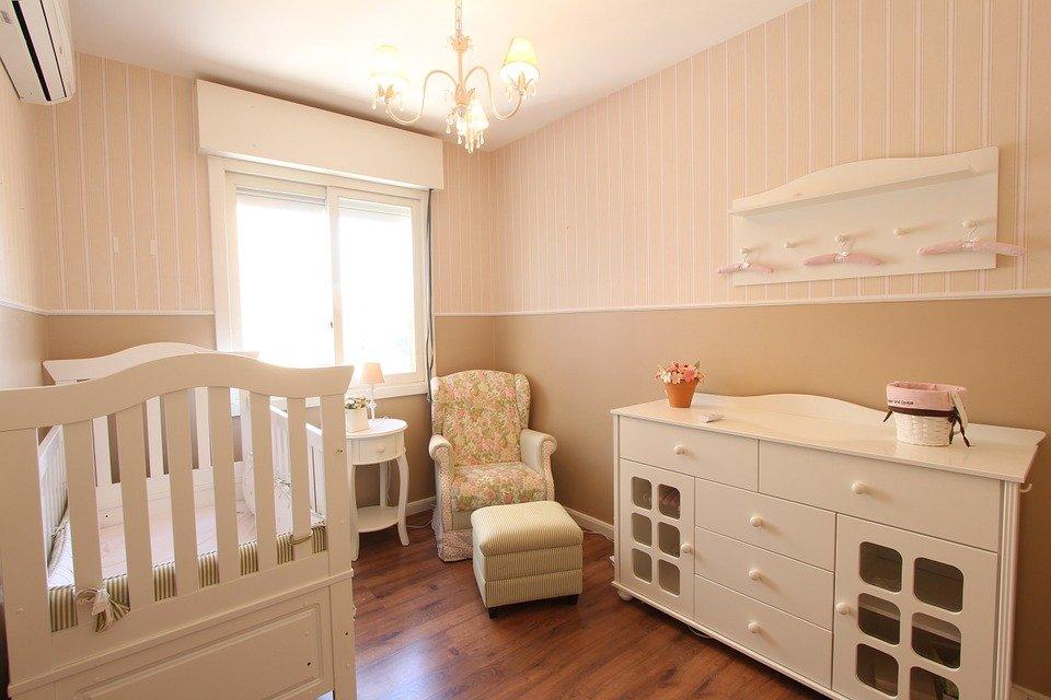 Préparer la chambre du bébé : choses à faire et à ne pas faire !